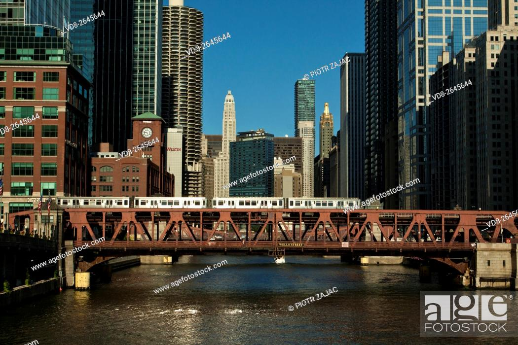 Stock Photo: L train on Wells Street Bridge over Chicago River in Chicago, Illinois, USA.