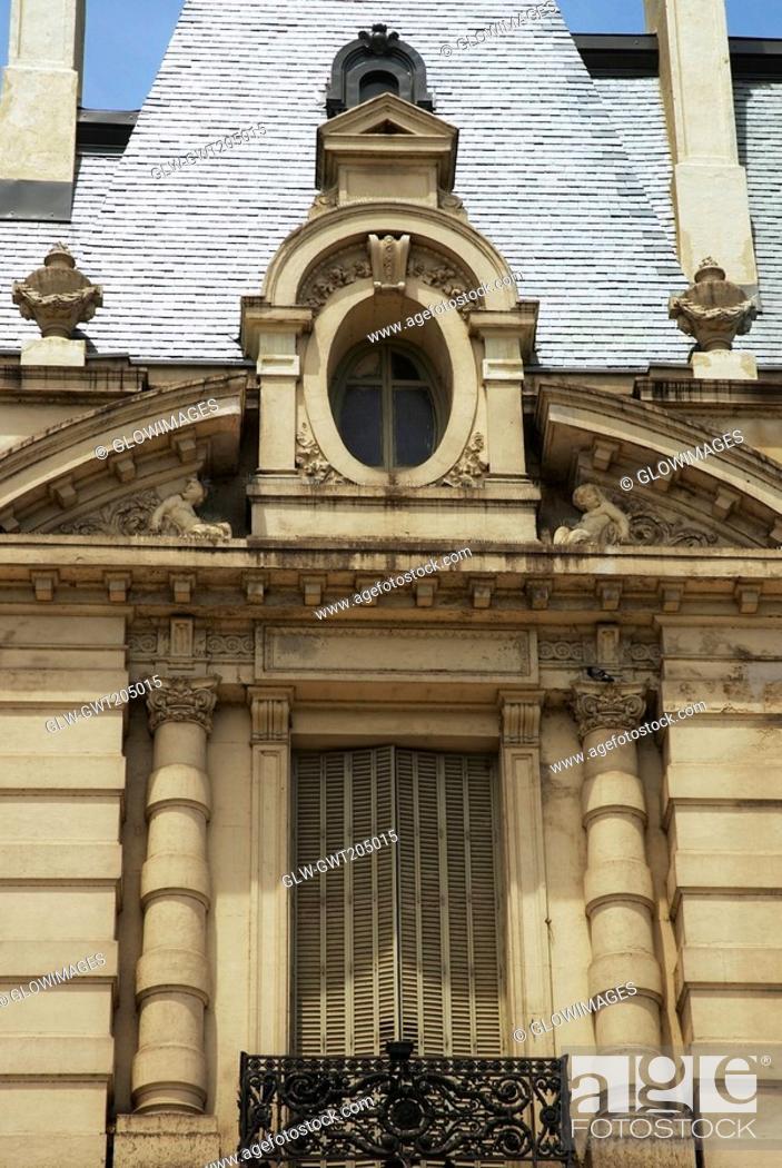 Stock Photo: Facade of a building, Buenos Aires, Argentina.