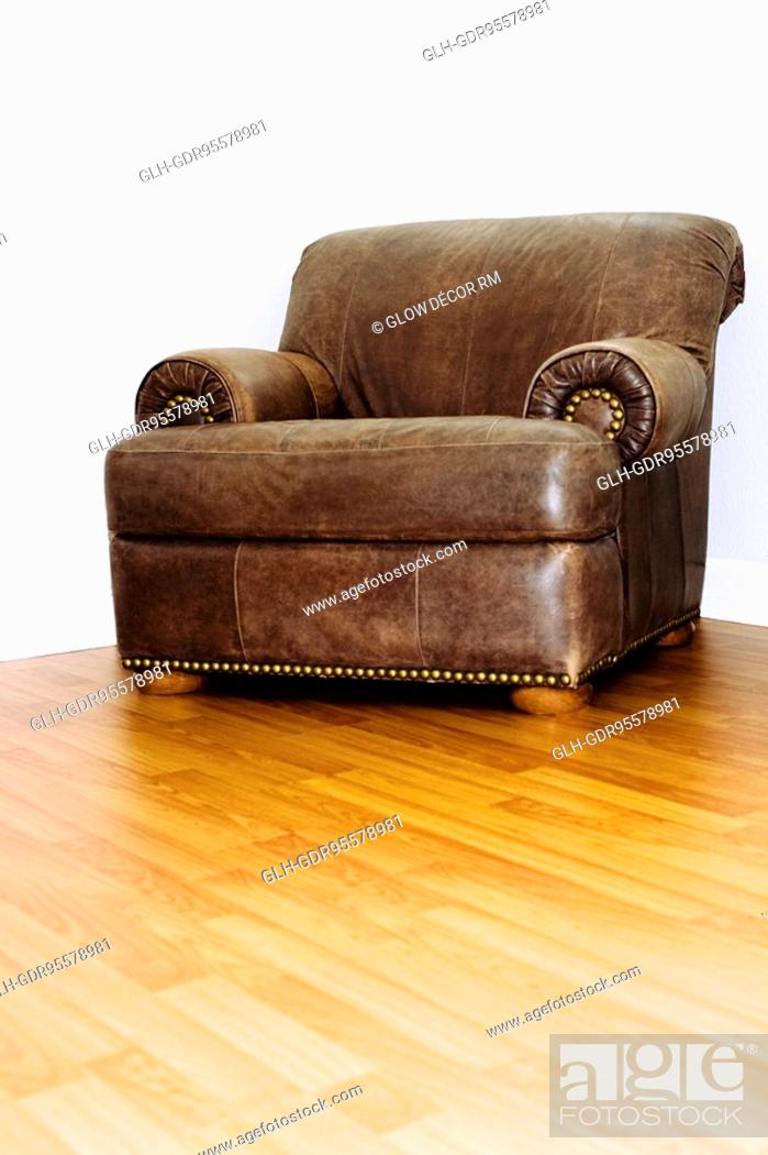 Photo de stock: Couch in a living room.