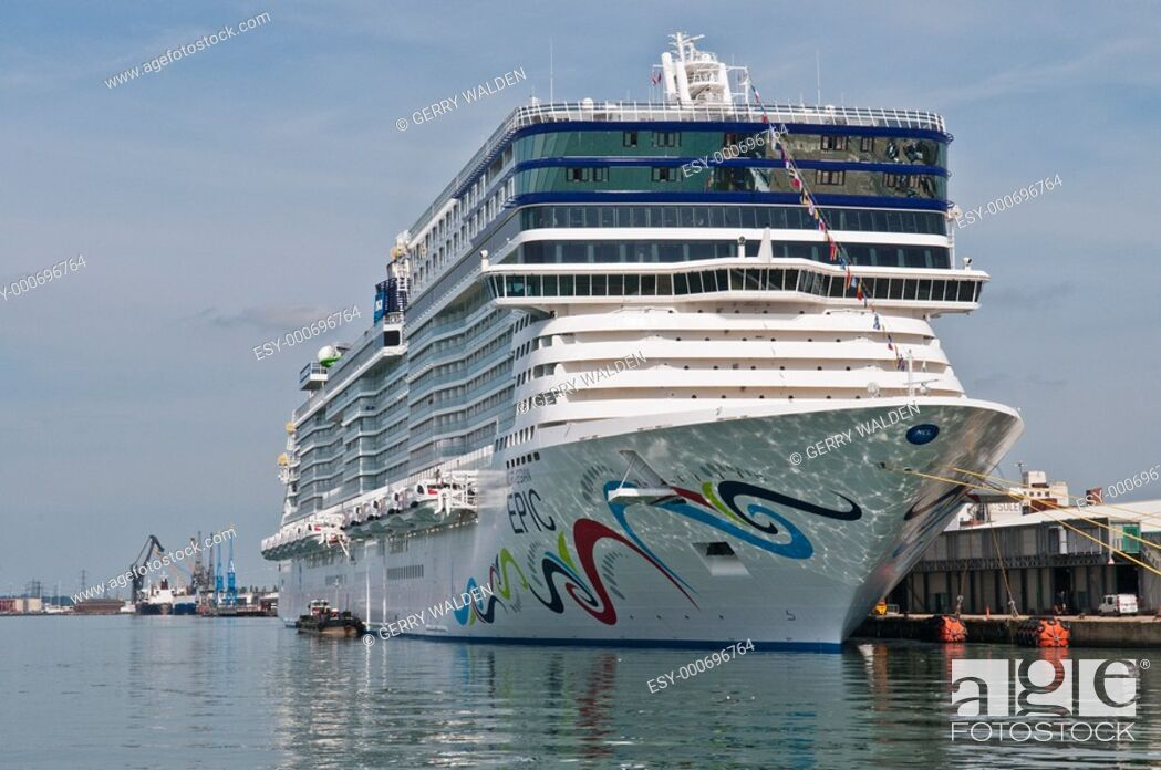 Stock Photo: Cruise liner Norwegian Epic 153, 000 tonnes in Southampton during her maiden cruise.