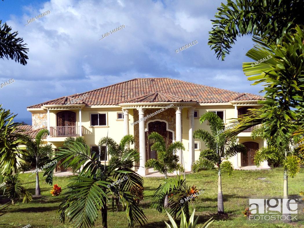 Stock Photo: Hawaï , Big Island , Hamakua coast , Tropical botanical garden , house.