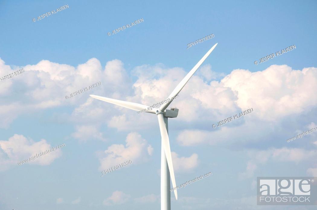 Photo de stock: Wind turbines.