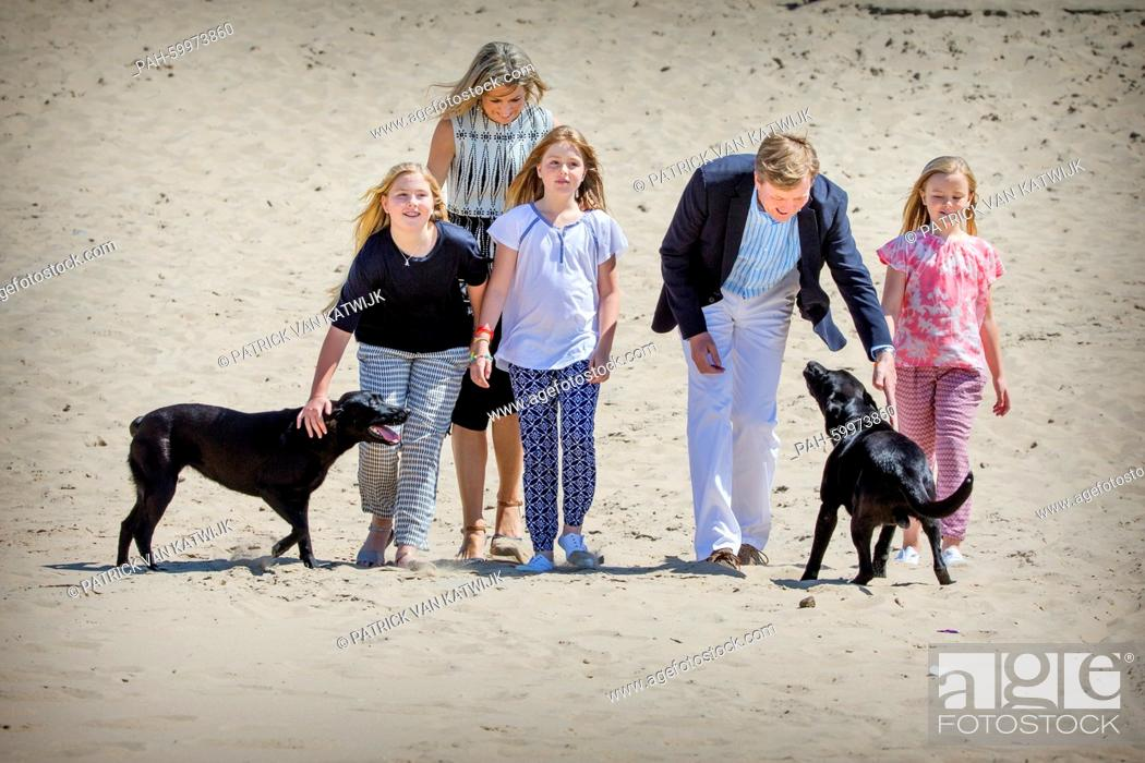 Stock Photo: King Willem-Alexander and Queen Maxima with their daughters Princess Amalia, Princess Alexia and Princess Ariane of The Netherlands pose for the media at the.
