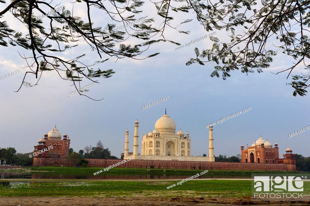 Stock Photo: Taj Mahal, Agra, Uttar Pradesh, India, Asia.