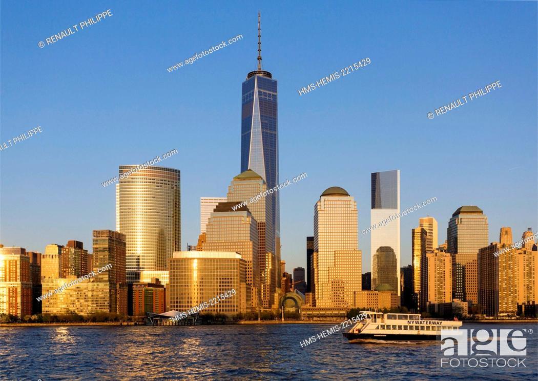 Stock Photo: United States, New York, cruise around Manhattan Island, the One World Trade Center.