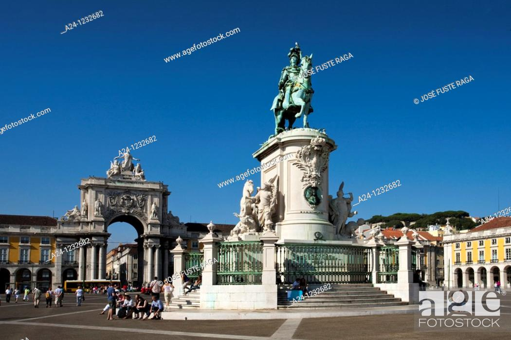 Stock Photo: Portugal summer 2010,Lisboa City,Comercio Square,Jose I Monument.
