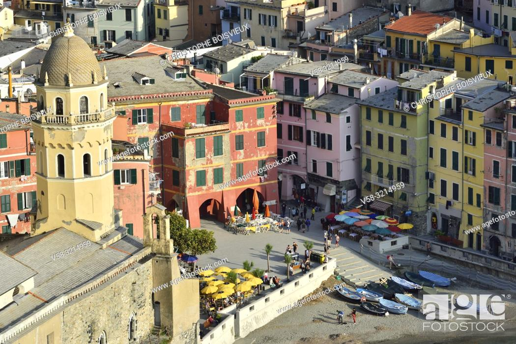 Imagen: Italy, Liguria, Cinque Terre National Park, World Heritage Site, Vernazza.