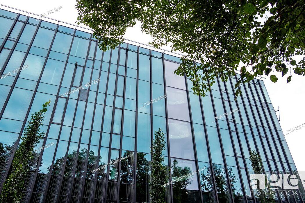 Imagen: Modern architecture in Tallinn, Estonia, Europe.