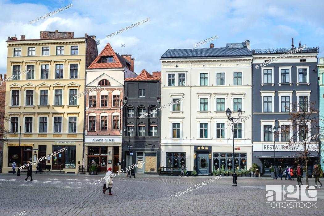 Stock Photo: Tenement houses on the main square of Old Town in Torun, Kuyavian Pomeranian Voivodeship of Poland.