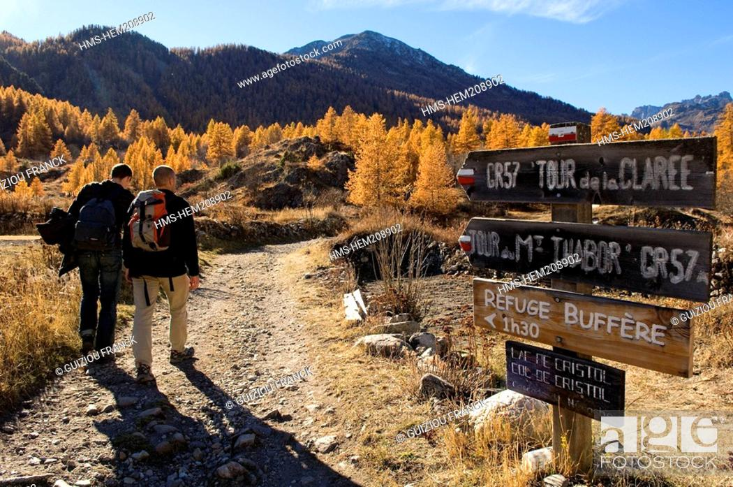 Stock Photo: France, Hautes Alpes, the Brianconnais area in autumn, La Claree Valley, hike starting at Nevache.