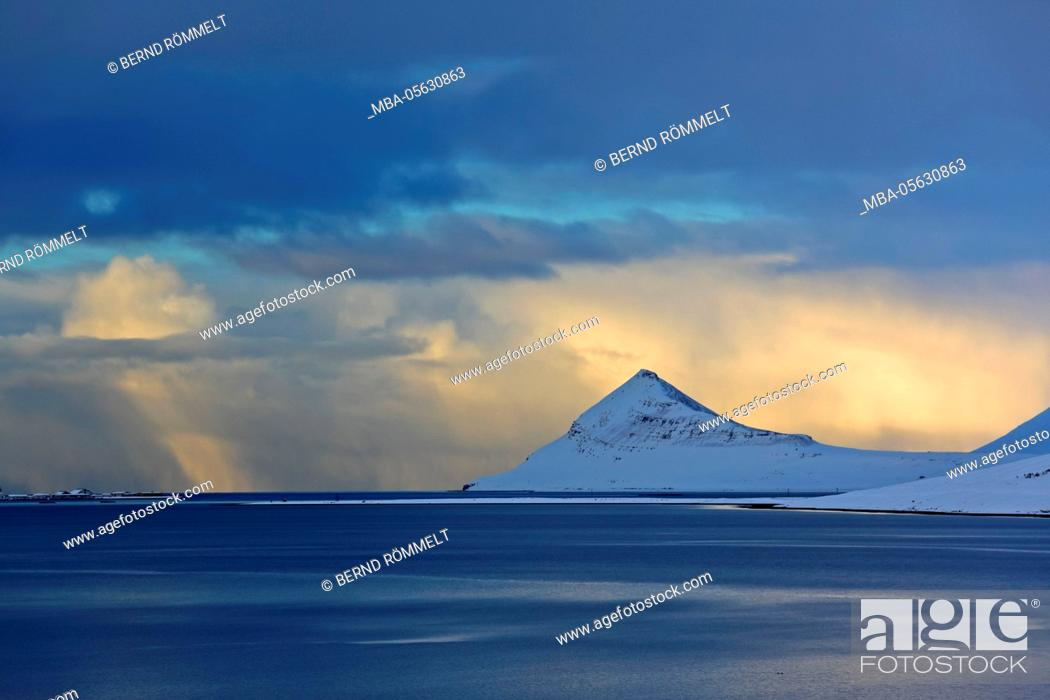 Stock Photo: Iceland, west fjords, coast in the Dyrafjördur close Pingeyri.