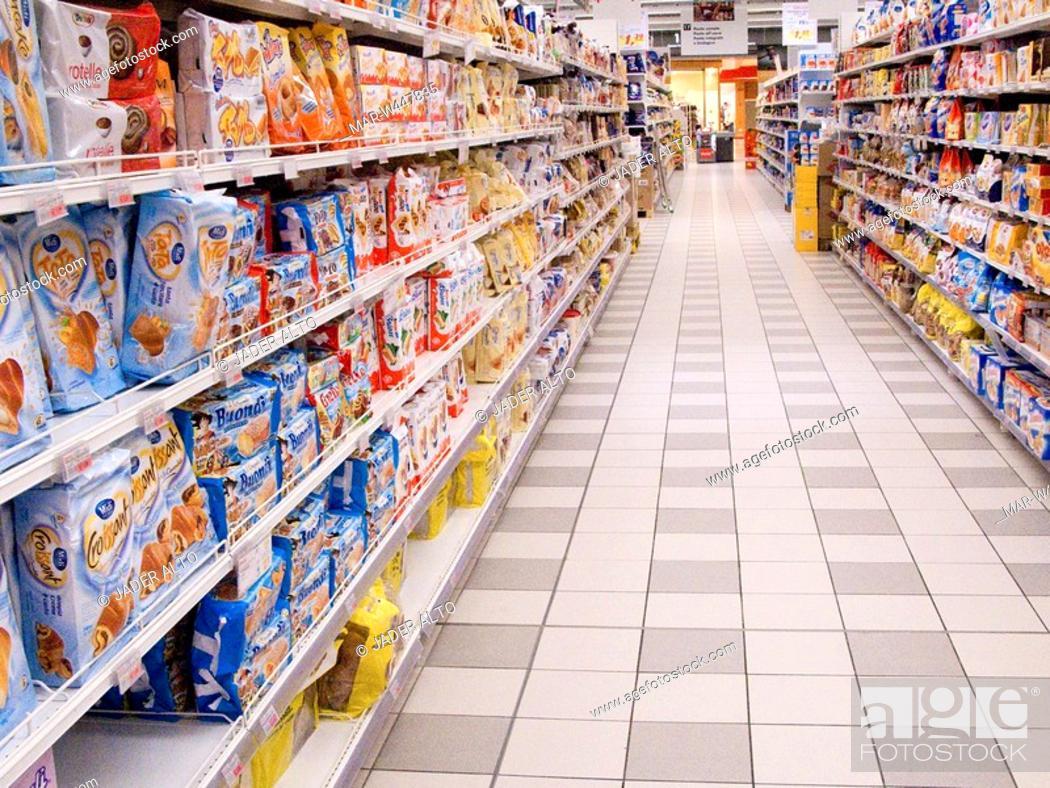 Stock Photo: supermarket aisle.