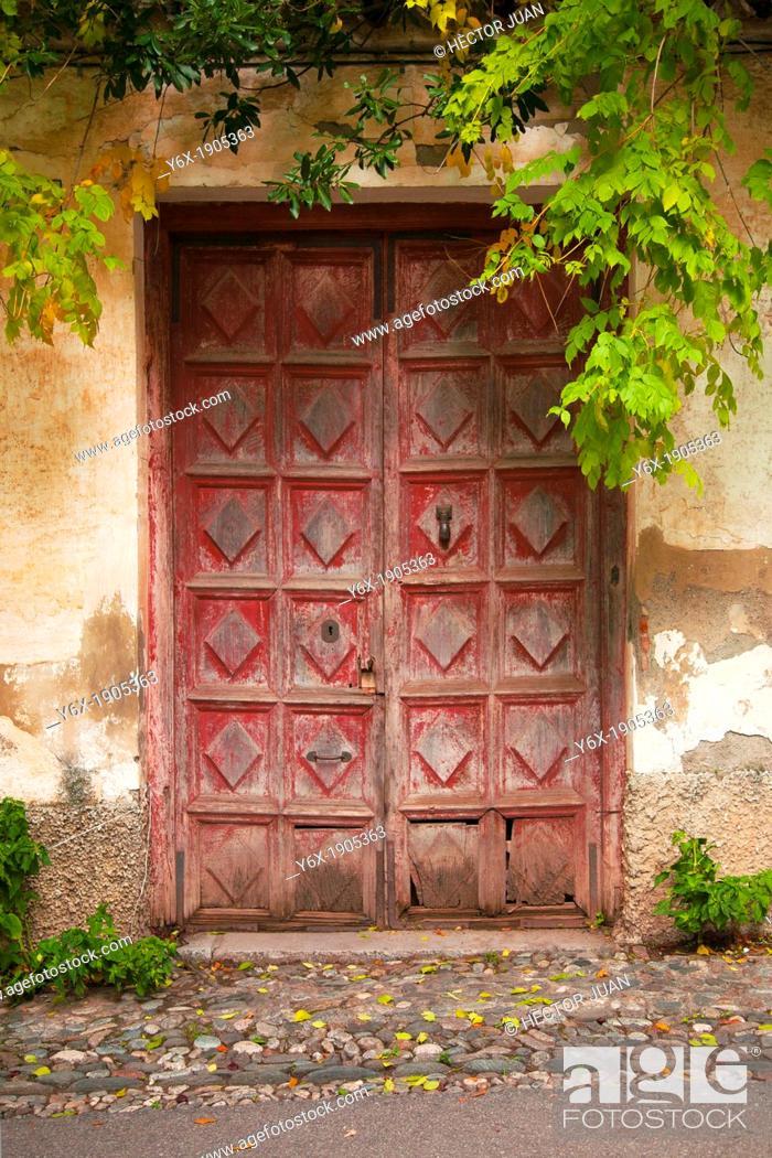 Imagen: A door in Alhambra.