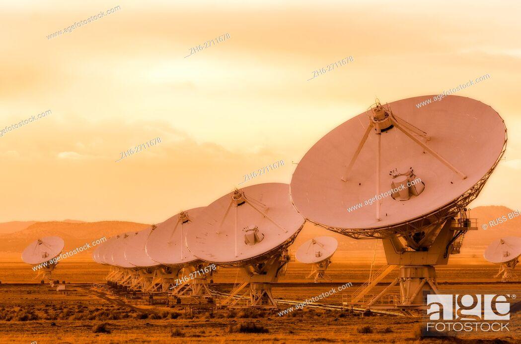 Stock Photo: Radio telescopes at the Very Large Array (VLA), Plains of San Agustin, Socorro, New Mexico USA.