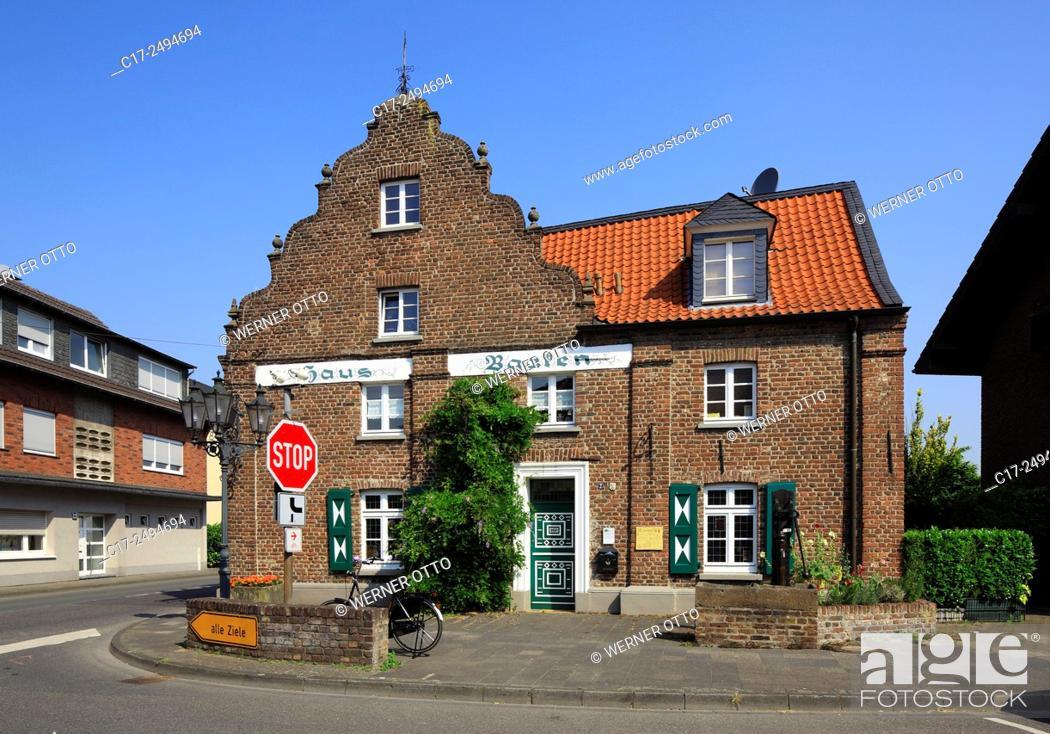 Stock Photo: Germany, Kempen, Niers, Lower Rhine, Rhineland, North Rhine-Westphalia, NRW, Kempen-Toenisberg, House Baaken, brick building, pediments, former guest house.