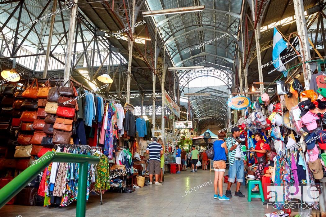 Stock Photo: Sunday market. San Telmo. Buenos Aires. Argentina.