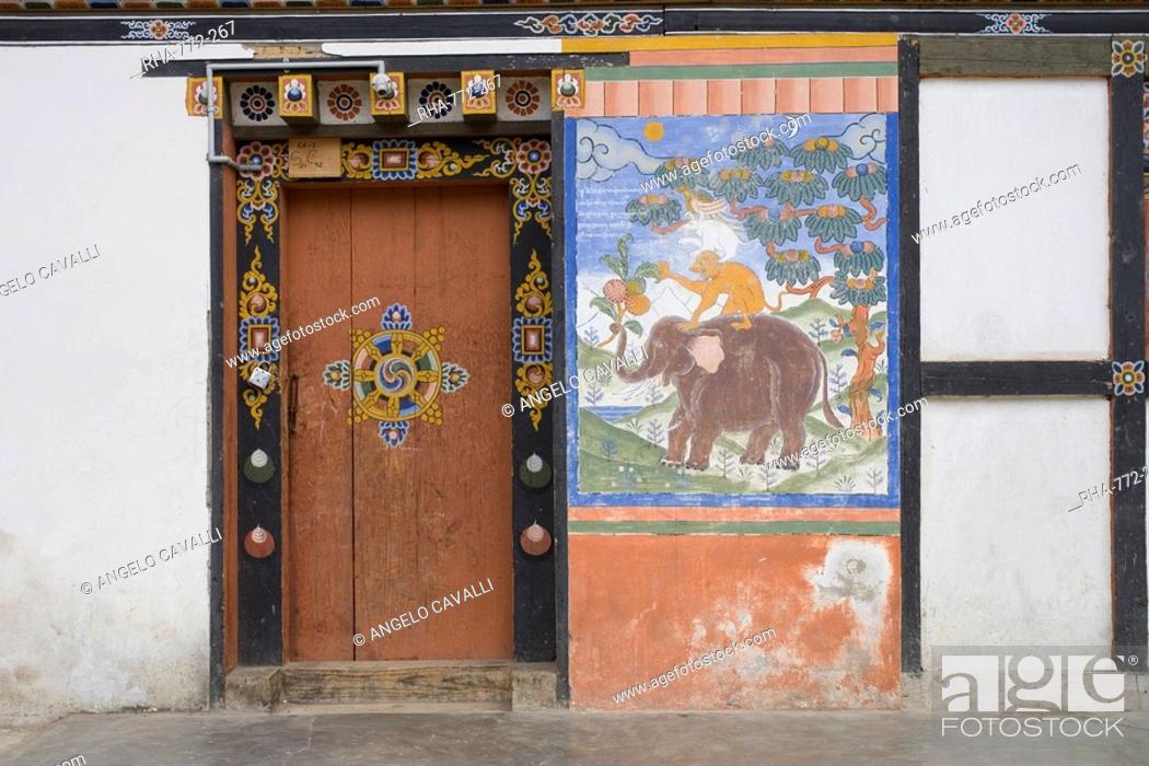 Stock Photo: Trongsa Dzong, Trongsa, Bhutan, Asia.