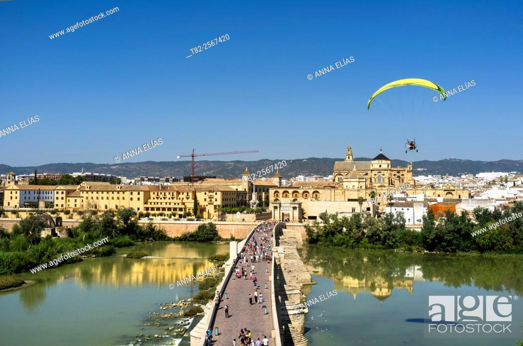 Stock Photo: Roman bridge, mosque in Cordoba, Andalucia, Spain, Europe.