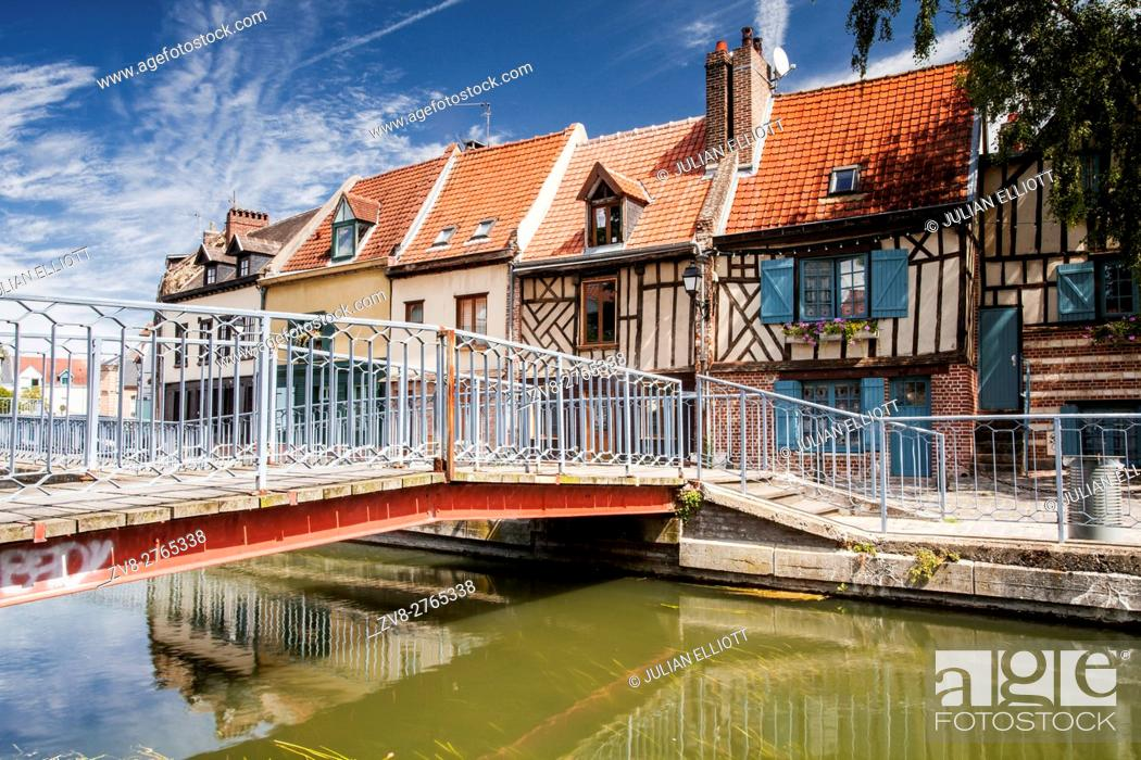 Stock Photo: Half timbered houses in the Saint Leu district of Amiens.
