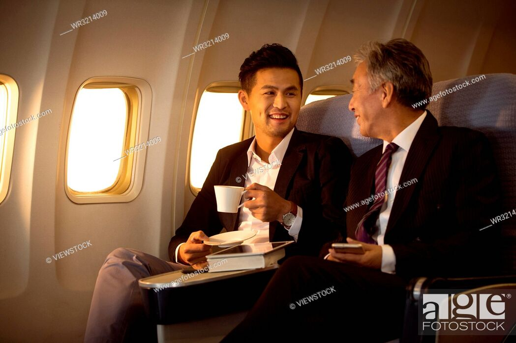 Imagen: Business people by plane.