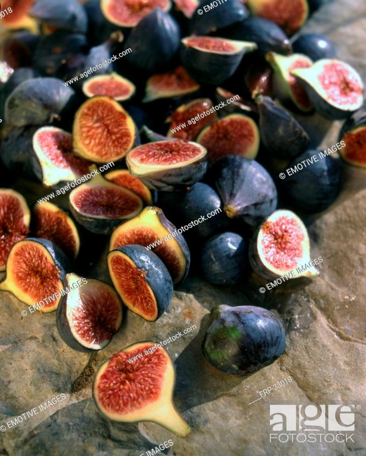 Stock Photo: Figs cut.