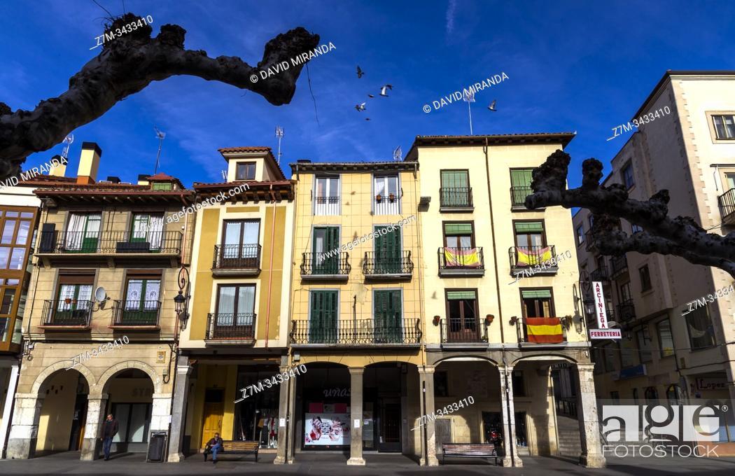 Imagen: Plaza Mayor. Aranda de Duero. Burgos. Castilla León. España.