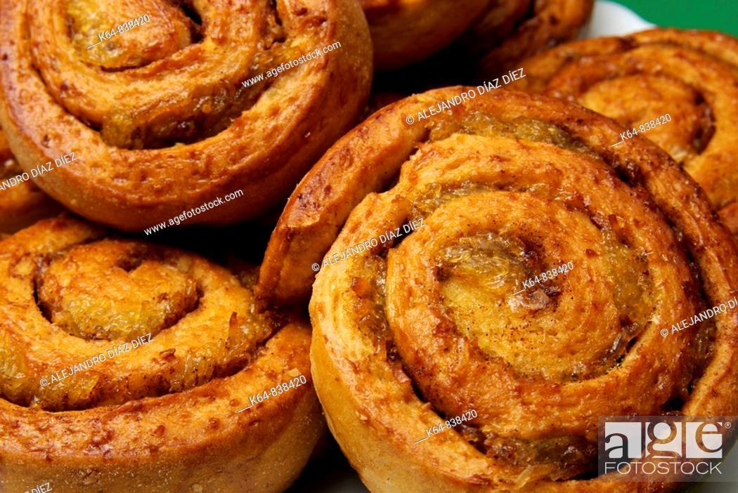 Stock Photo: Cinnamon buns.