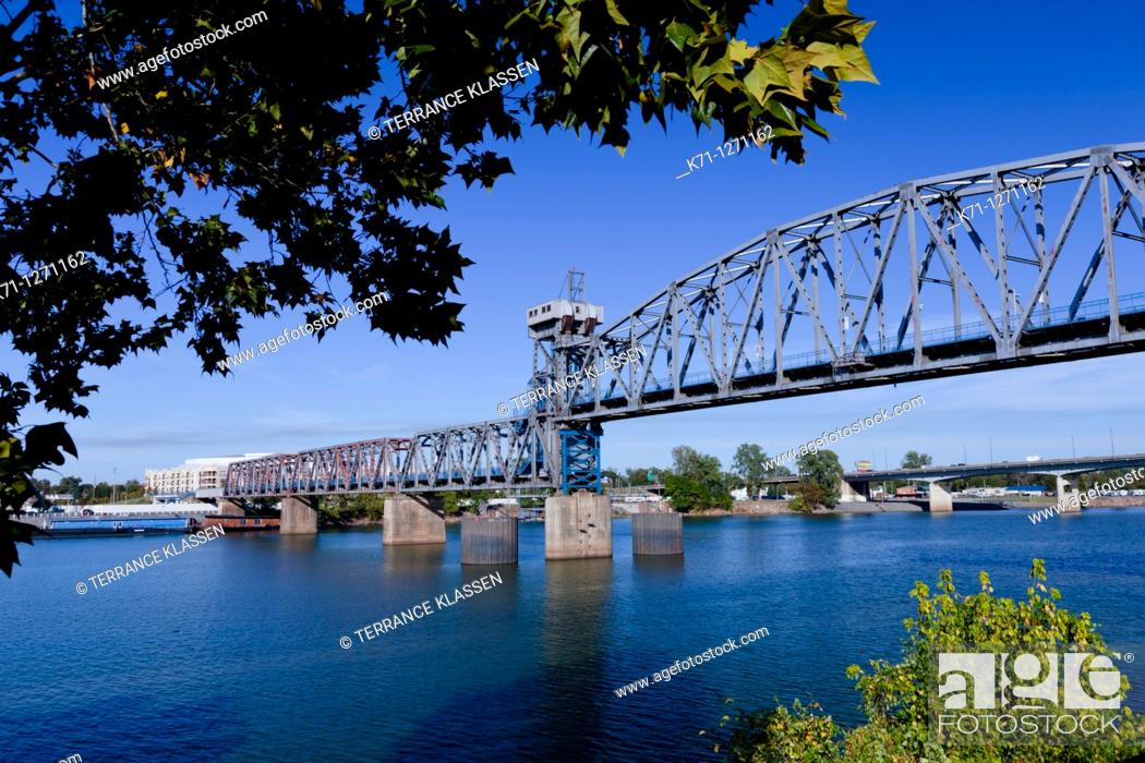Stock Photo: A bridge over the Arkansas river in Little Rock, Arkansas, USA.
