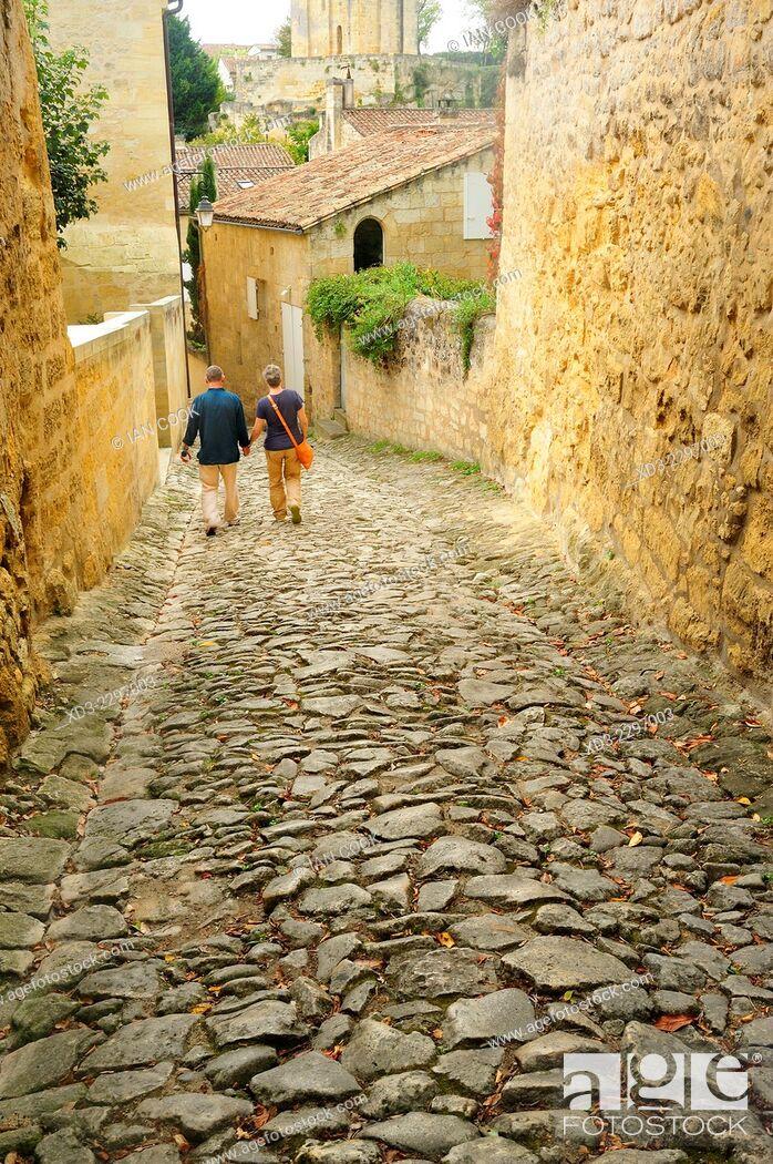 Stock Photo: Tertre des Vaillants, Saint Emilion, Gironde Department, Aquitaine, France.