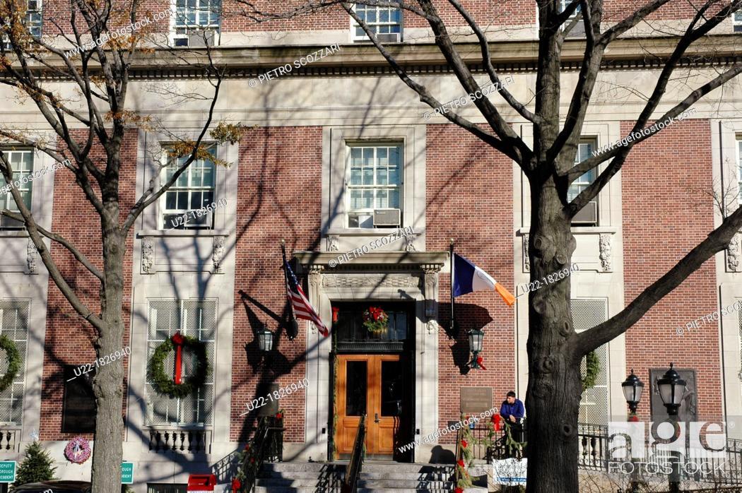 Stock Photo: New York City, Staten Island's City Hall.