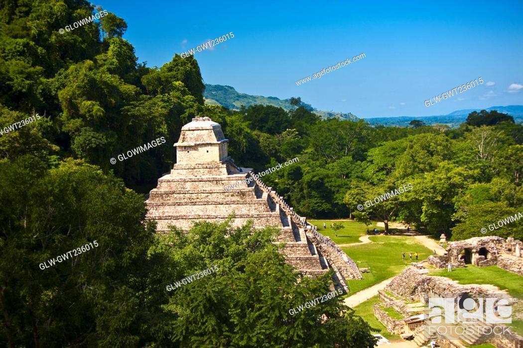 Stock Photo: High angle view of old ruins of buildings, Templo De los Inscripciones, Palenque, Chiapas, Mexico.