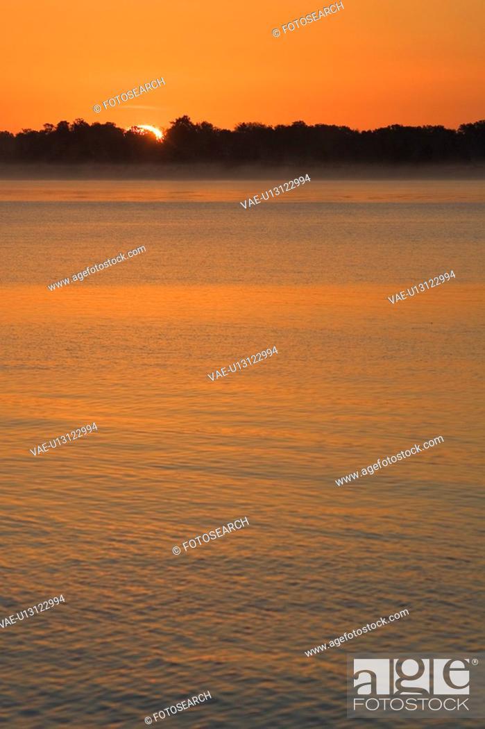 Stock Photo: Dusk, Glow, Lake.