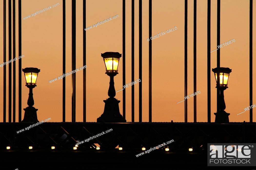 Stock Photo: Chain Bridge in Budapest for three lights at dusk.