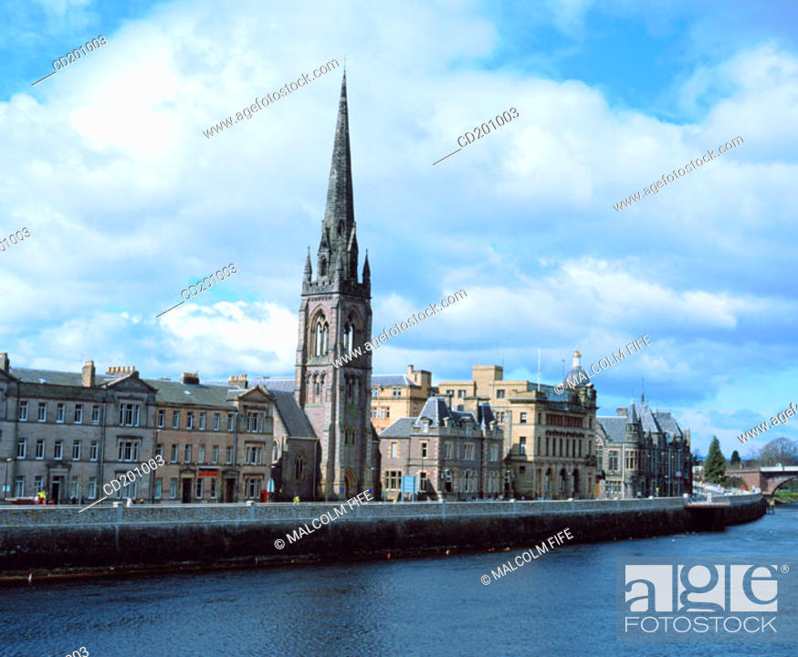 Stock Photo: River Tay and city centre. Perth. Perth and Kinross. Scotland.