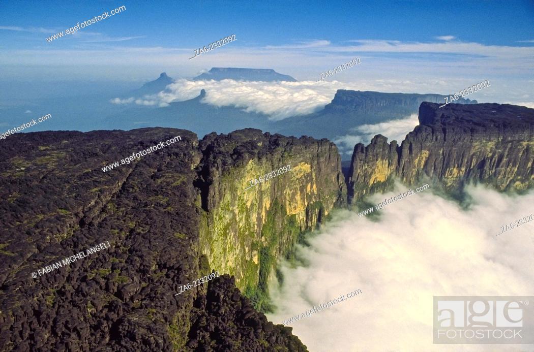 Stock Photo: Summit of Cukenan-tepuy in the Gran Sabana, Canaima National Park, Bolivar state. Venezuela.