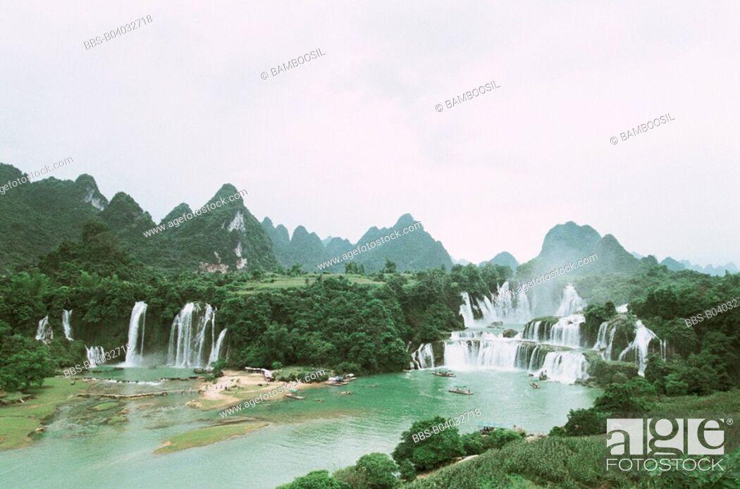 Imagen: Detian waterfall, Daxin County, Nanning City, Guangxi Zhuang Nationality Autonomous Region of People's Republic of China.