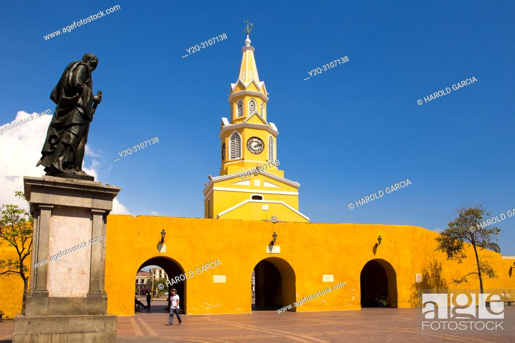 Stock Photo: View to the cathedral with clock tower in the historic center with the statue of Pedro De Heredia in the foreground, Cartagena de Indias, Bolivar , Colombia.
