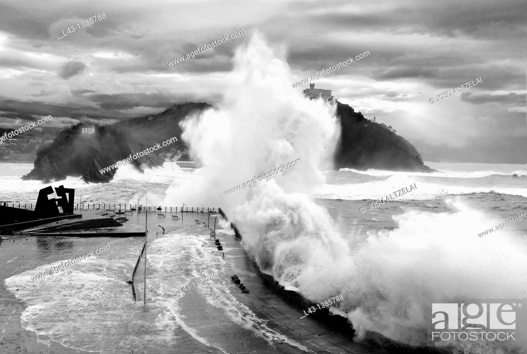 Stock Photo: Waves breaking in a storm in San Sebastian,Basque country.