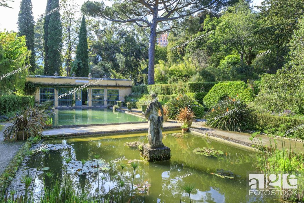 Stock Photo: France, Alpes Maritimes, Menton, jardin Serre de la Madone (Serre de la Madone garden), basin, statue and warm greenhouse (obligatory mention of the garden name.