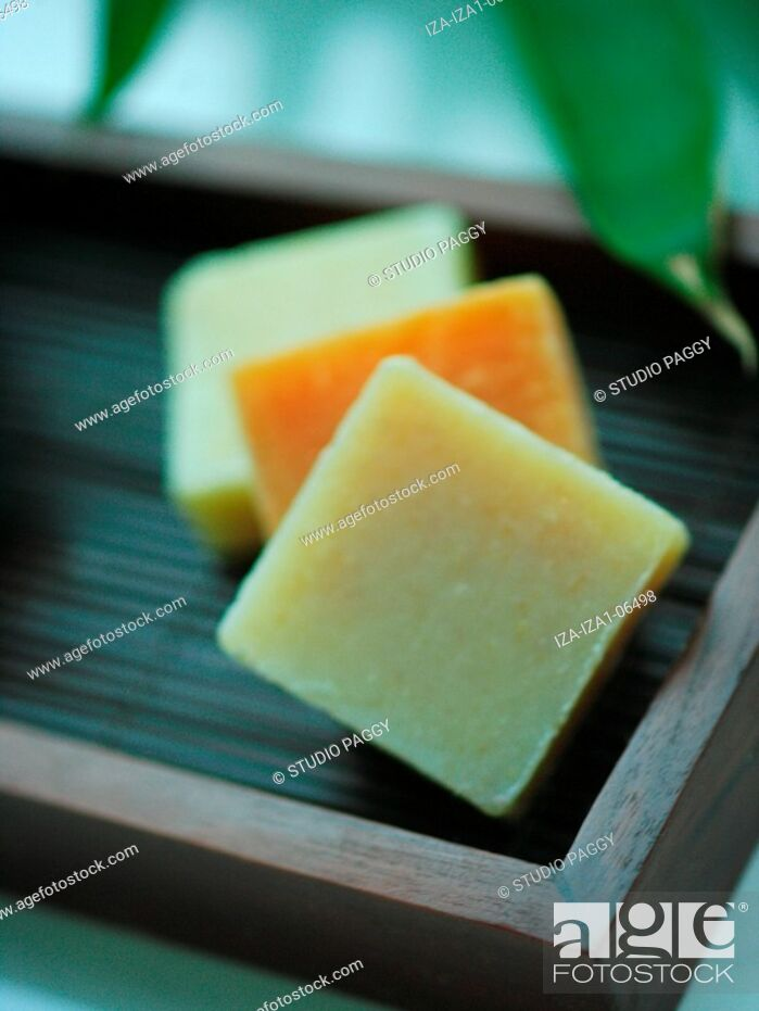 Imagen: Close-up of natural soaps in a tray.