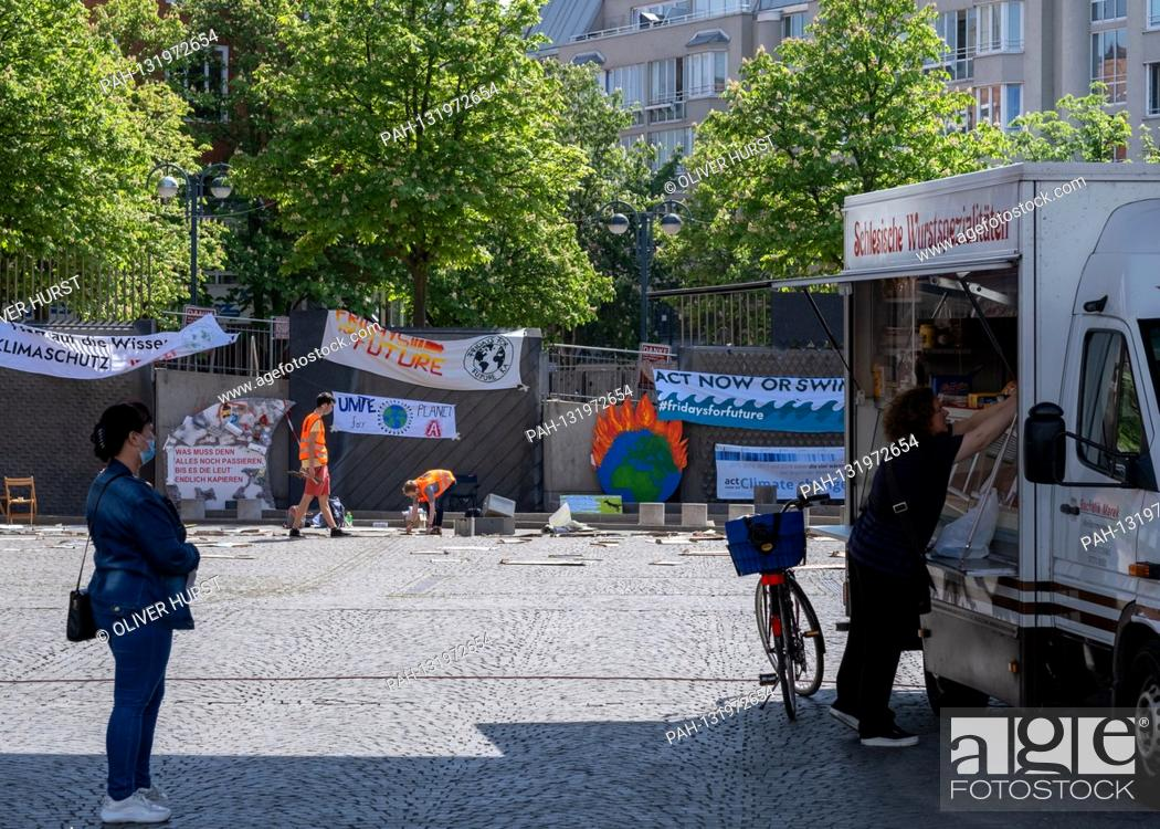 Stock Photo: Fridays for Future activists design the Kronenplatz in Karlsruhe with posters that could be handed in at various locations in Karlsruhe.