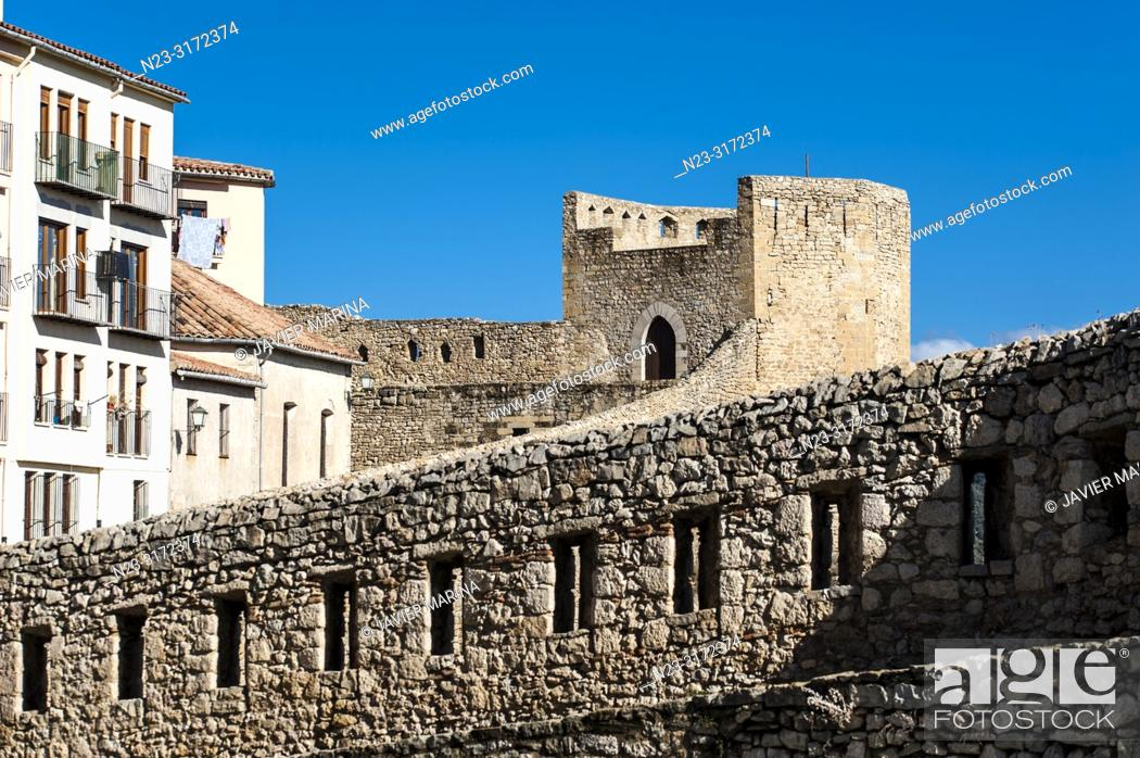 Stock Photo: Wall and tower, Morella, Castellón, Spain.