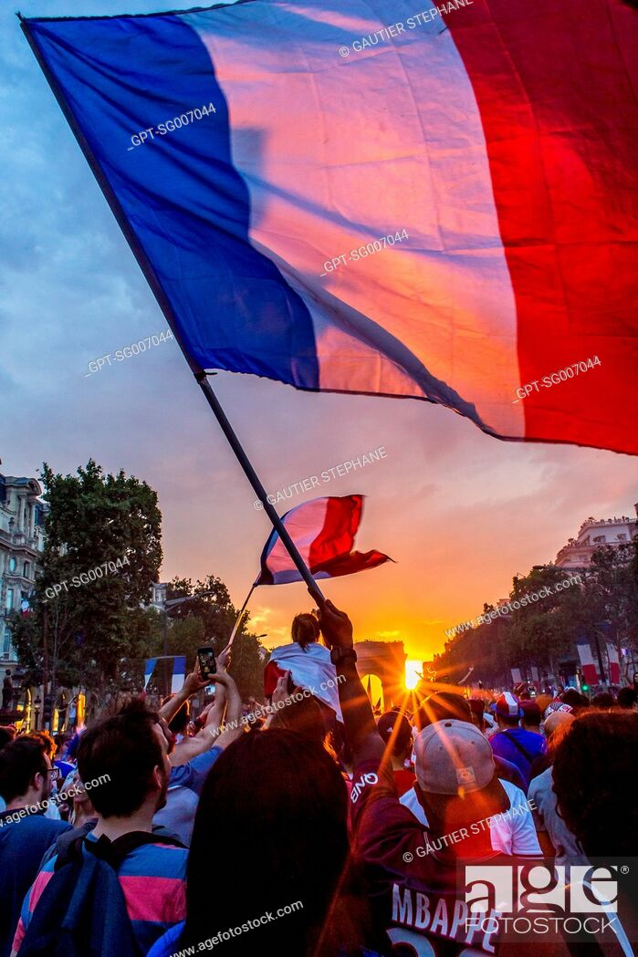 Stock Photo: SCENE OF JUBILATION FOLLOWING THE FRENCH SOCCER TEAM'S VICTORY IN THE WORLD CUP FINALS, FRANCE - CROATIA, PARIS, FRANCE, EUROPE.