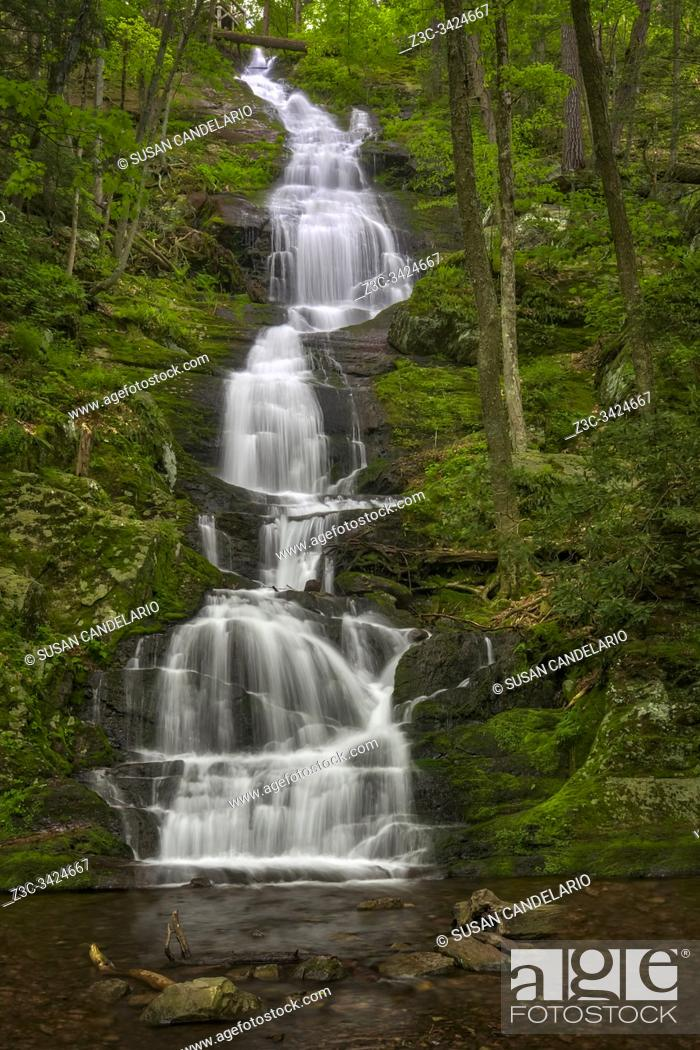 Stock Photo: Buttermilk Falls - View to one of the tallest waterfalls in New Jersey.