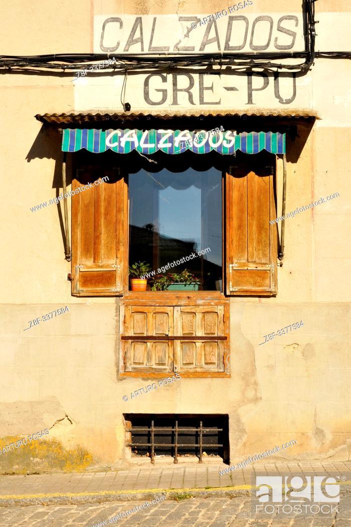 Stock Photo: Old shoe store. Real Sitio de San Ildefonso, Segovia.