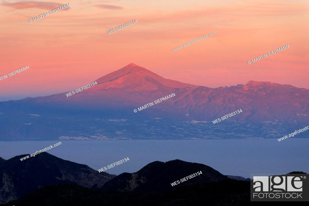 Stock Photo: Spain, La Gomera, View of Teide volcano in Tenerife.