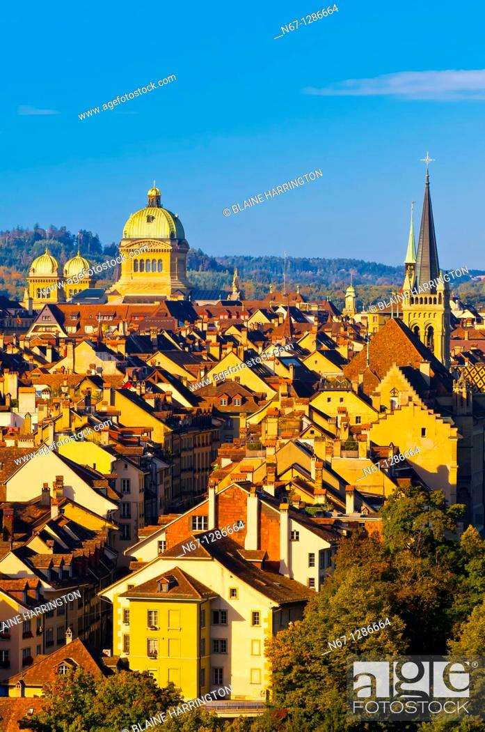 Stock Photo: Cityscape of the medieval city center of Bern with the Federal Palace (Swiss Parliament building) in background. Bern, Canton Bern, Switzerland.
