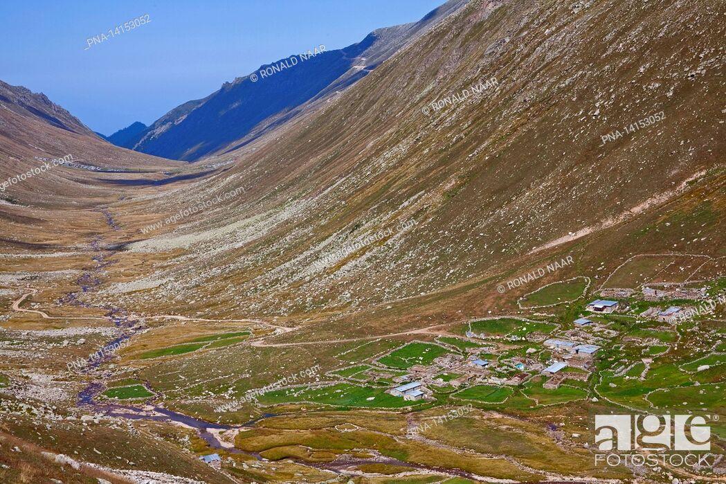 Imagen: Yayla Apivanak in the Kackar mountain, Turkey.