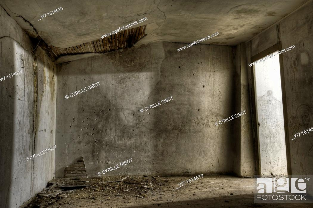Stock Photo: Empty room in abandoned house.