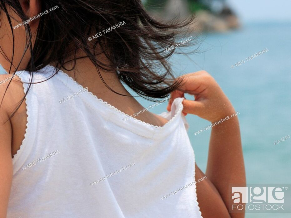 Imagen: Rear view of a girl.